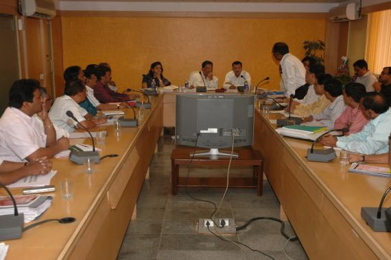 Hon. Shri Suresh Shetty, Minister for Environment, Govt of Maharashtra addressing MPCB HoDs during his visit to MPCB Head Quarter Sion on 9th February 2010