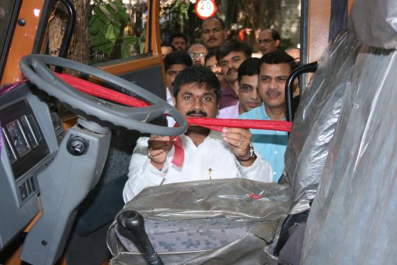 Hon.Shri Sachin Ahir, State Environment Minister inaugurated the installation of GPS (Global Positioning System) for the monitoring and tracking of Hazardous Waste Transport Vehicles (Tanker, Truck) in the Maharashtra State during his visit to MPCB Head Quarters.